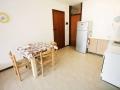 soggiorno cucina appartamento trilocale fronte mare residence sanian bibione