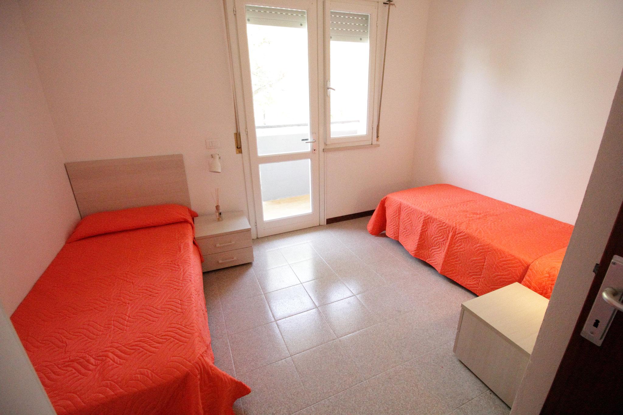 camera doppia appartamento trilocale al primo piano villa luca 5 bibione