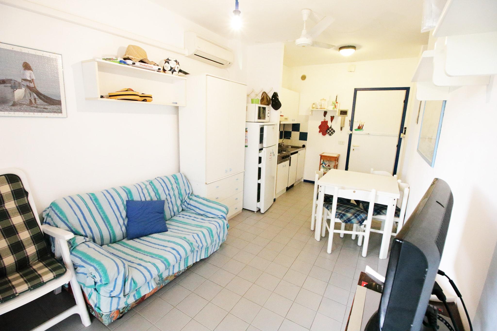 soggiorno cucina bilocale privato in zona centrale residence antares bibione