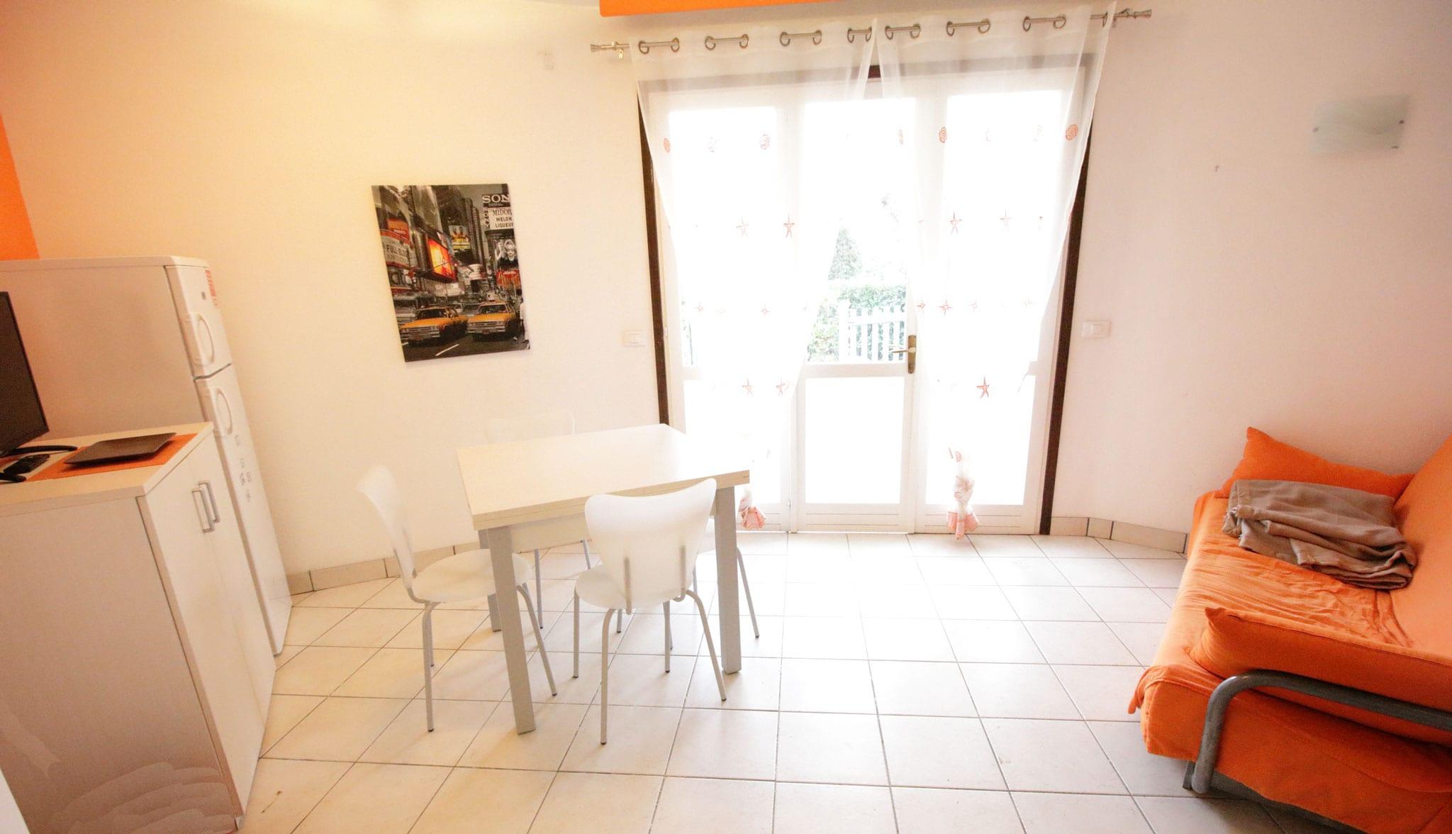 soggiorno appartamento trilocale in villetta villaggio tivoli bibione