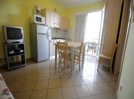soggiorno cucina appartamento bilocale al secondo piano villa ines bibione