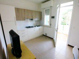 soggiorno cucina luminoso trilocale al secondo piano villa luca bibione
